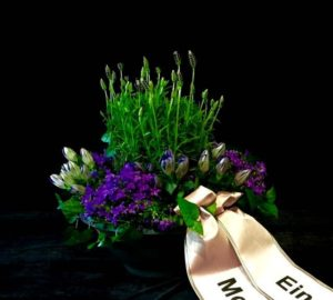 Friedhof Stadtbergen Blumen Flaschka Trauerfloristik